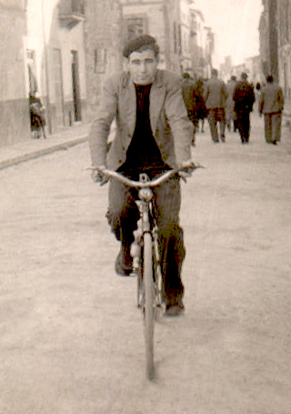 Paseando en bici – 1970