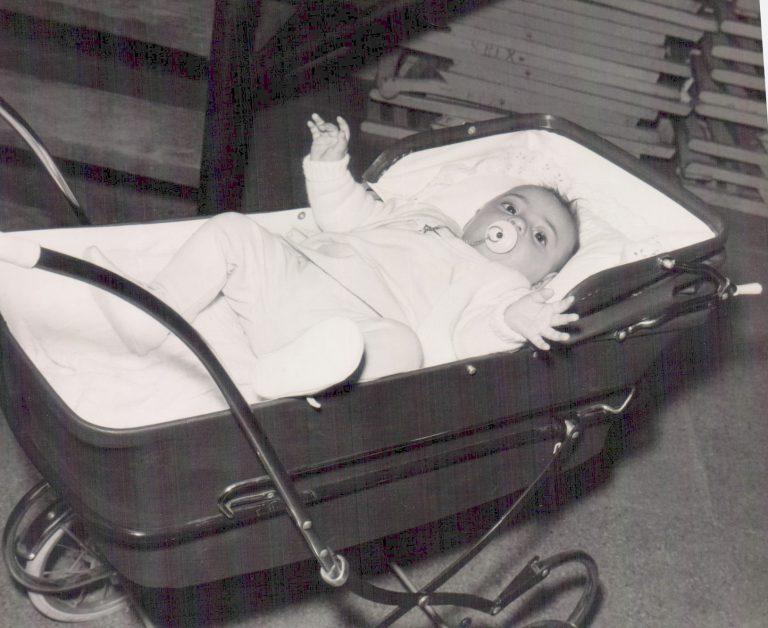 Niña en carrito– 1967