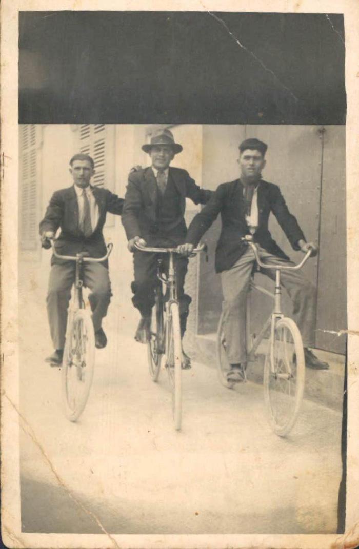 Paseo en bicicleta – 1928