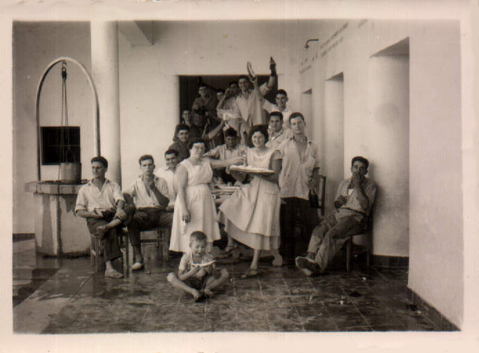 QUINTOS - 37 - 1957