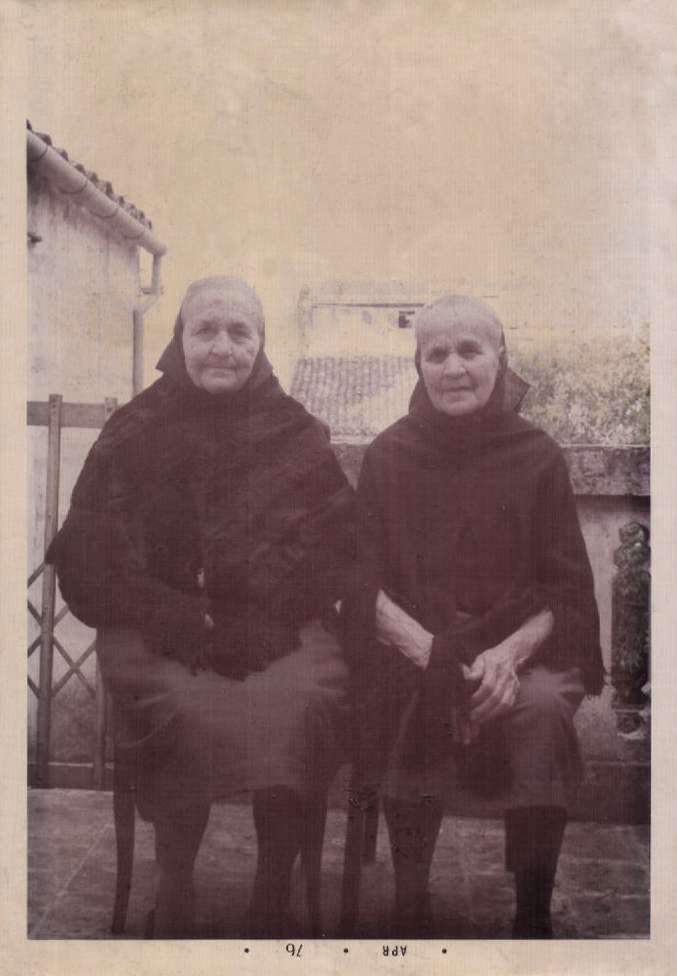 DOS HERMANAS - 1976