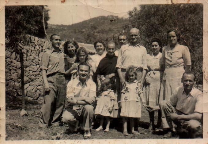 GRUPO FAMILIA - 1946