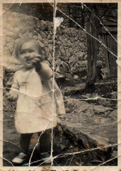 NIÑA PEQUEÑA - 1943