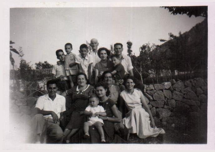 GRUPO FAMILIAR - 1957