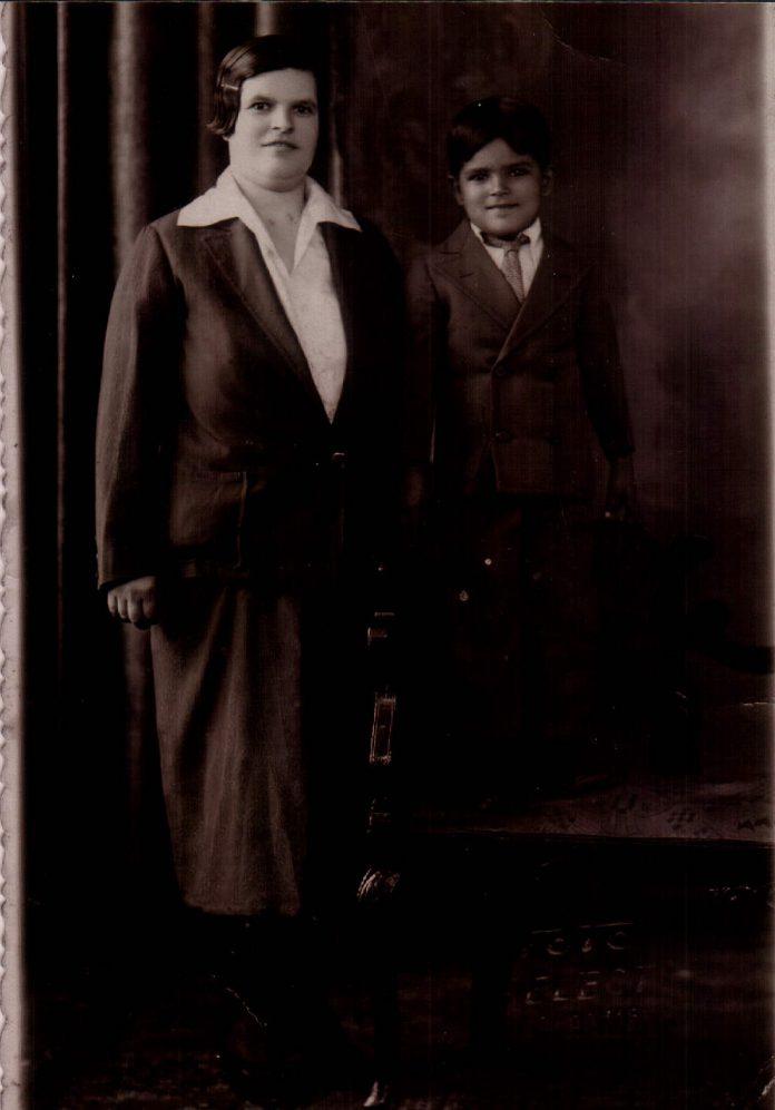 FAMILIAR - 1933