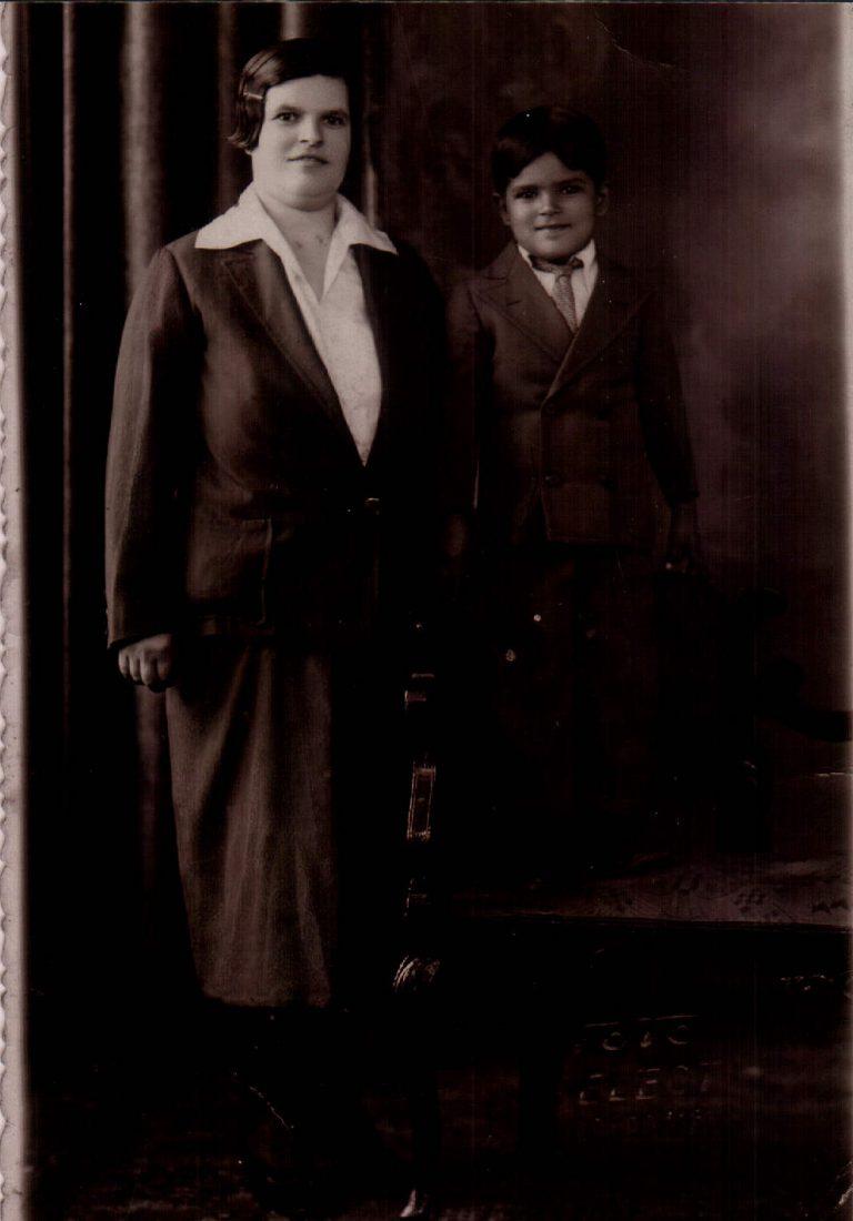 Familiar (Argentina) 1933