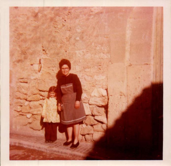 FAMILIAR - 1972