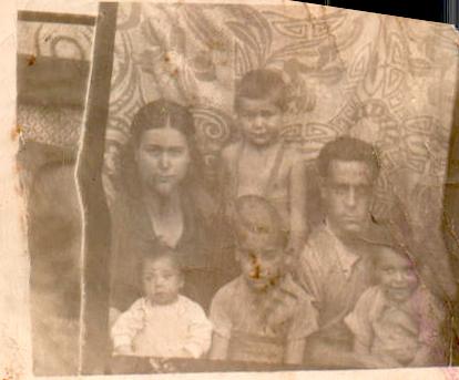 FAMILIA - 1945