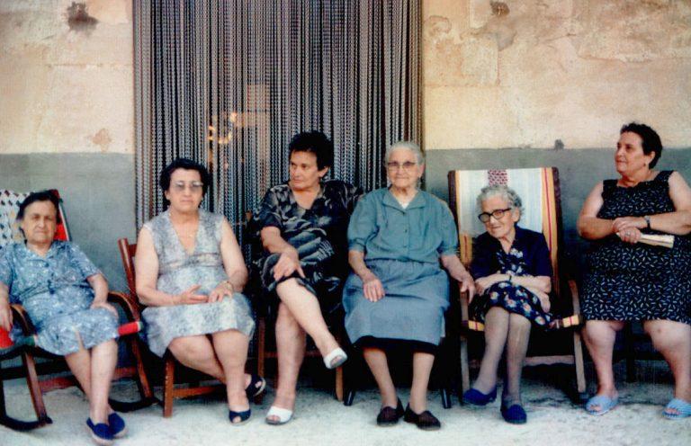 Senyores, dues generacions 'Ses Betletes' (Randa) – 1979