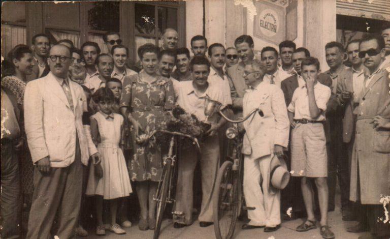 Entrega premio a B. Capó, campeón España – 1948