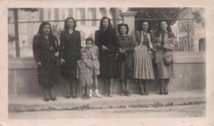 SALIDA DE MISA LOS DOMINGOS - 1949