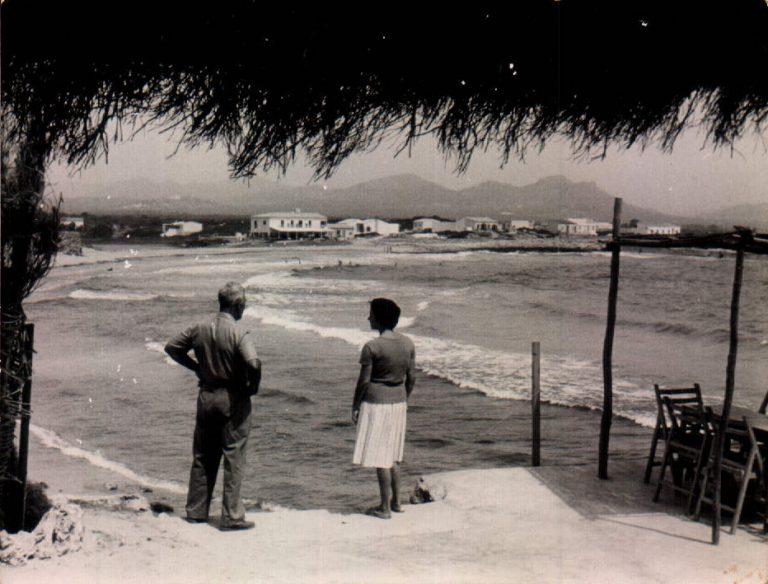 Mirant la mar (S´Illot) 1930