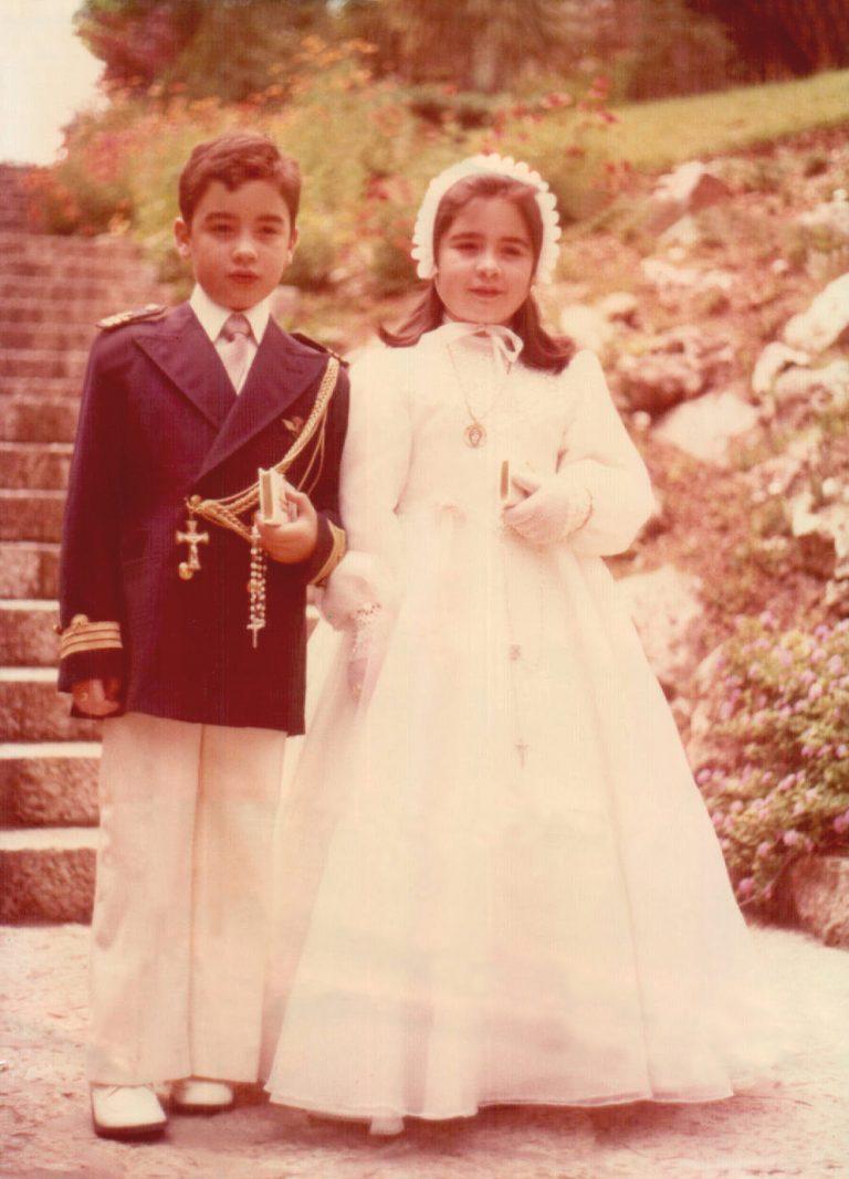 Foto primera comunión con mi hermano (Paseo Marítimo) 1976