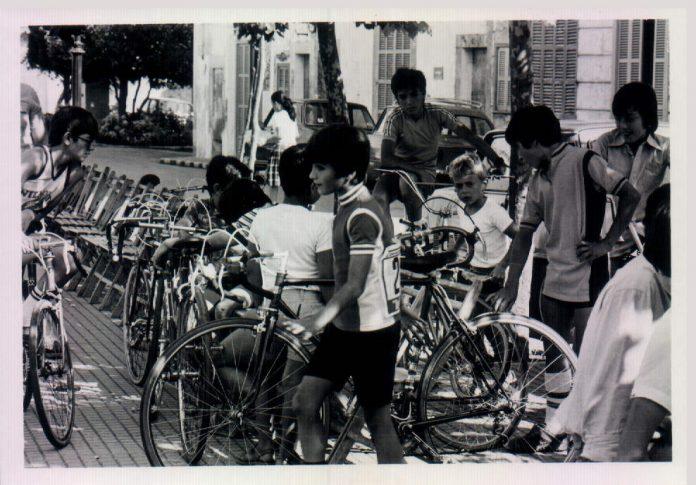 NINS A LA VOLTA CICLISTA FESTES DE SANT VICTORIA - 1980