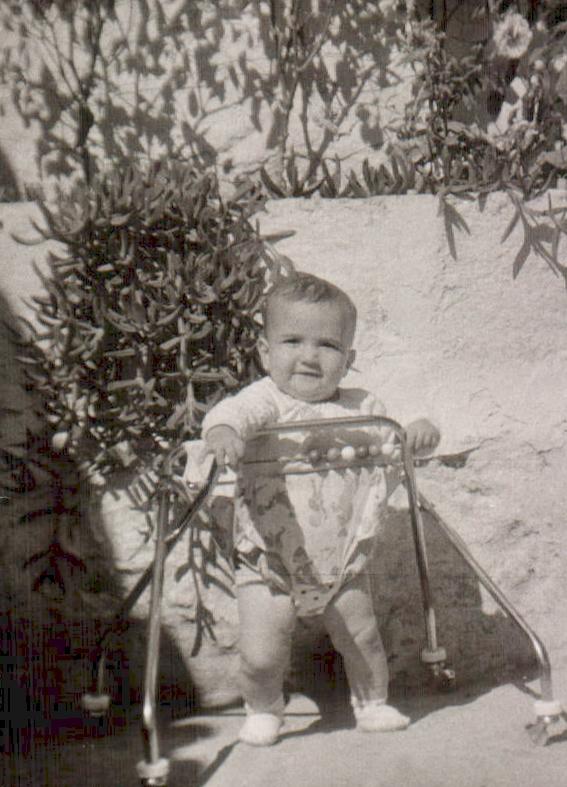 BEBE EN CAMINADOR - 1967