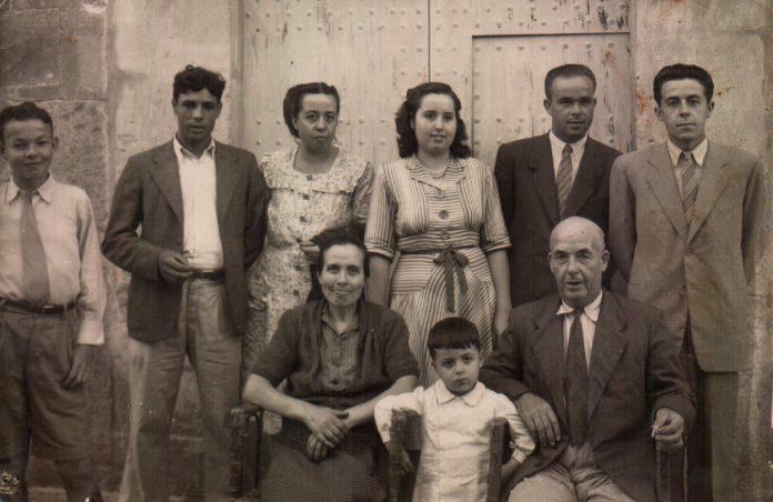 GRUPO FAMILIAR - 1952