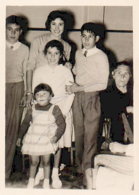 FAMILIA - 1954