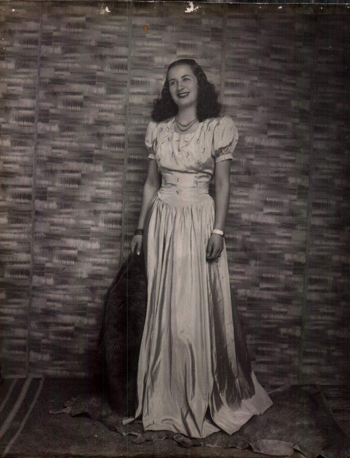 PERSONA - 1943