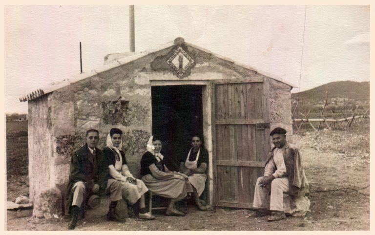 Fora vila – 1945