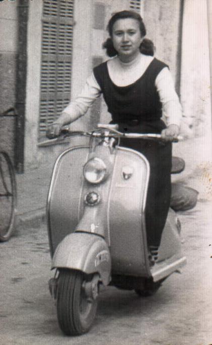 Dona amb moto – 1958