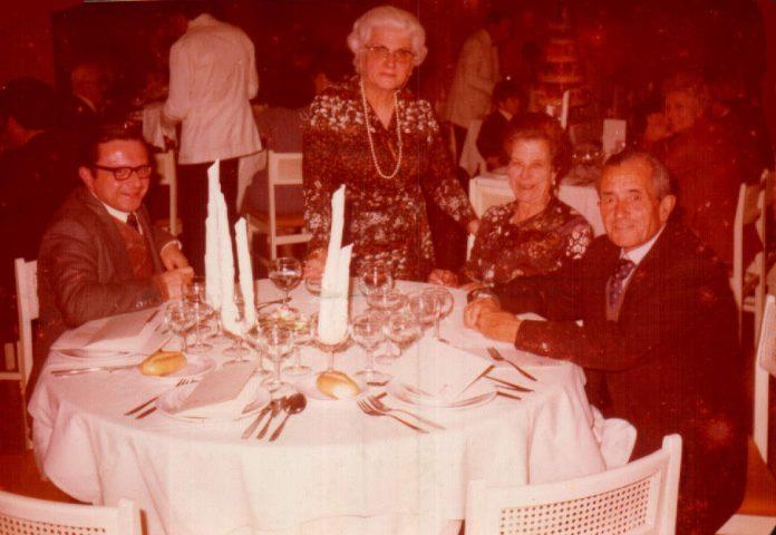 CENA FAMILIAR - 1977