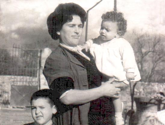 MADRE E HIJOS - 1963