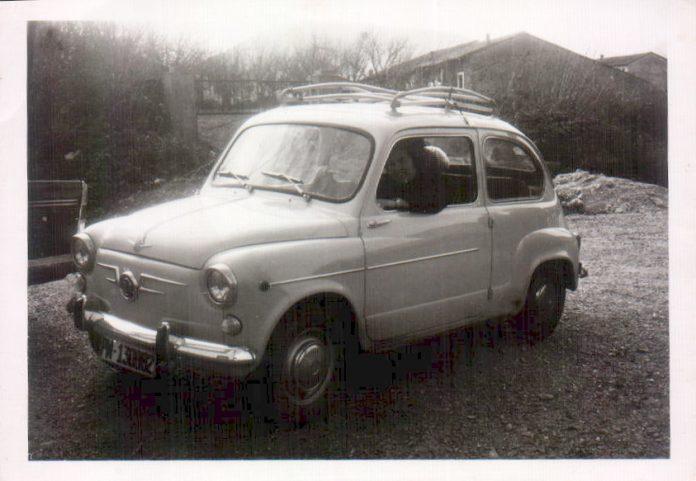 COCHE ANTIGUO - 1955