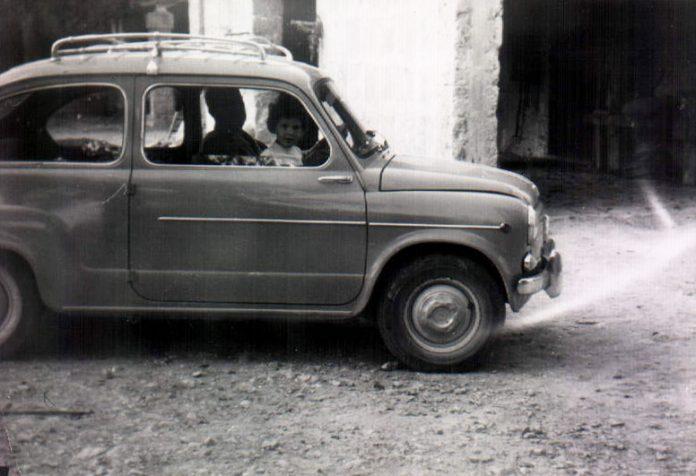 NIÑA EN UN 600 - 1967
