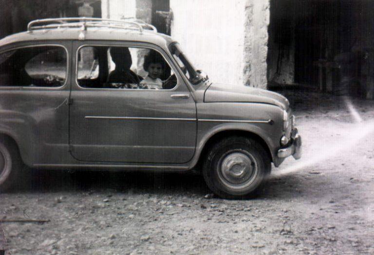 Niña en un 600 – 1967