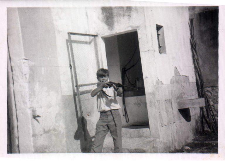 Niño con escopeta – 1968