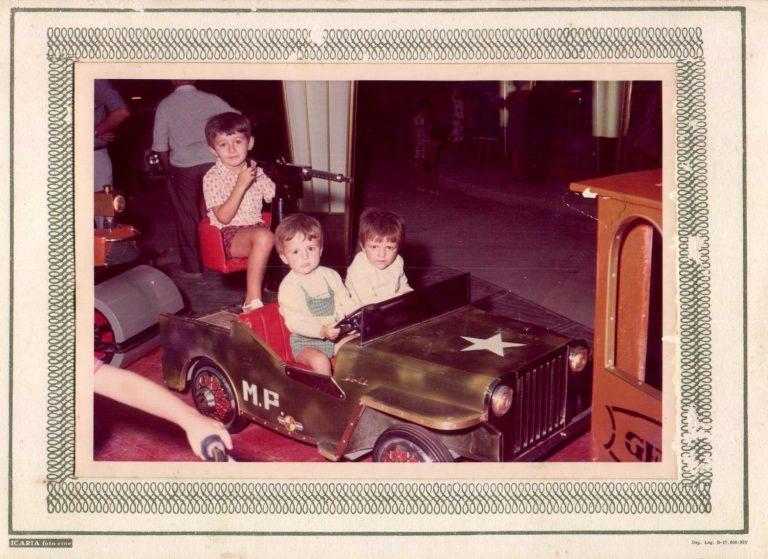 Niños en tiovivo – 1970
