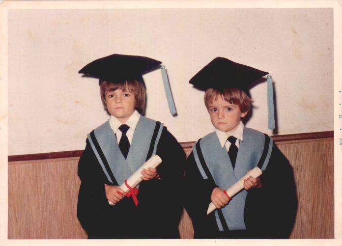 GRADUACION ESCOLAR NIÑOS - 1975