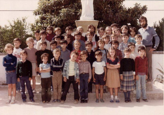 FOTO GRUPO ESCOLAR - 1978