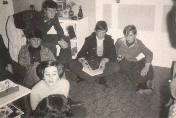 GRUP D´AMICS A UNA CASA - 1977