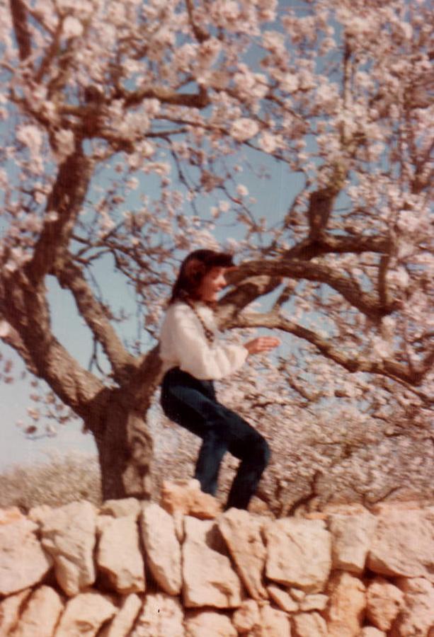 DONA A UNA PARED - 1979