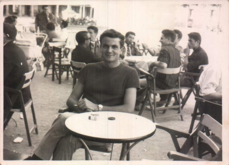 Tomando café – 1964